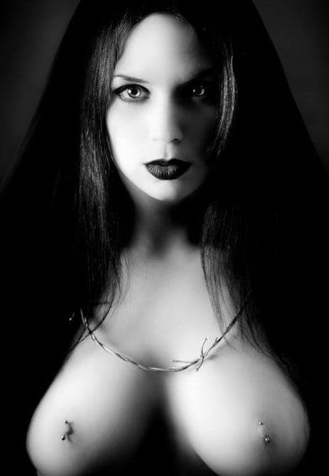 )0( Witch's )0( b.b.