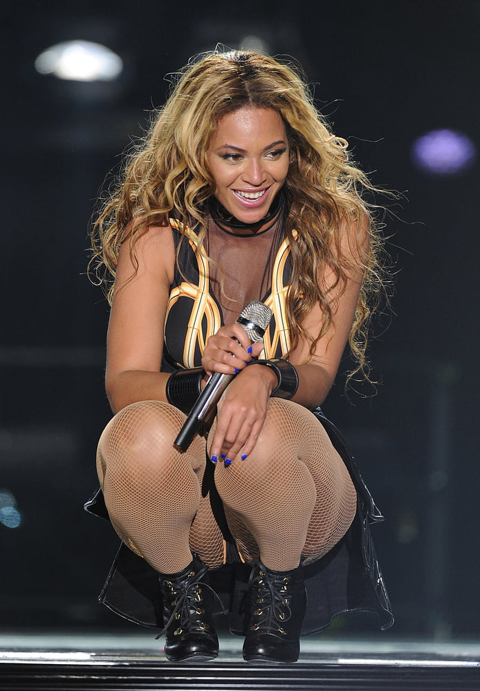Beyonce Knowles Upskirts And Other Paparazzi Shots With Jay