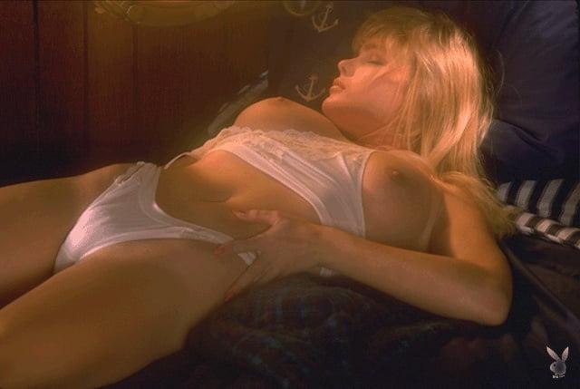 Eleniak sex