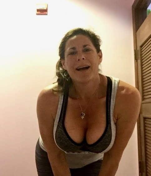 Gorgeous Mature Loves Sex