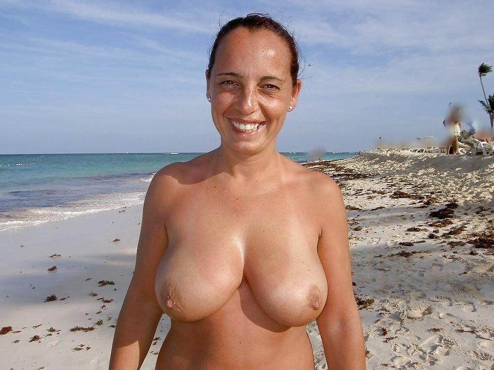 Beach Big Tits Pics