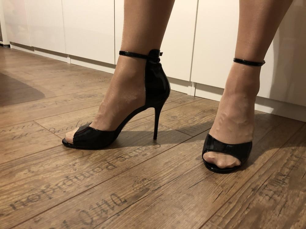 Black nylon slut whores adult gallery