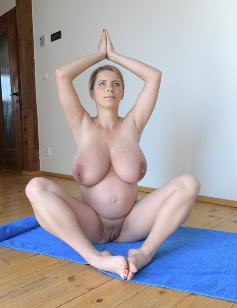 xxx-mature-nude-yoga-girl-blonde