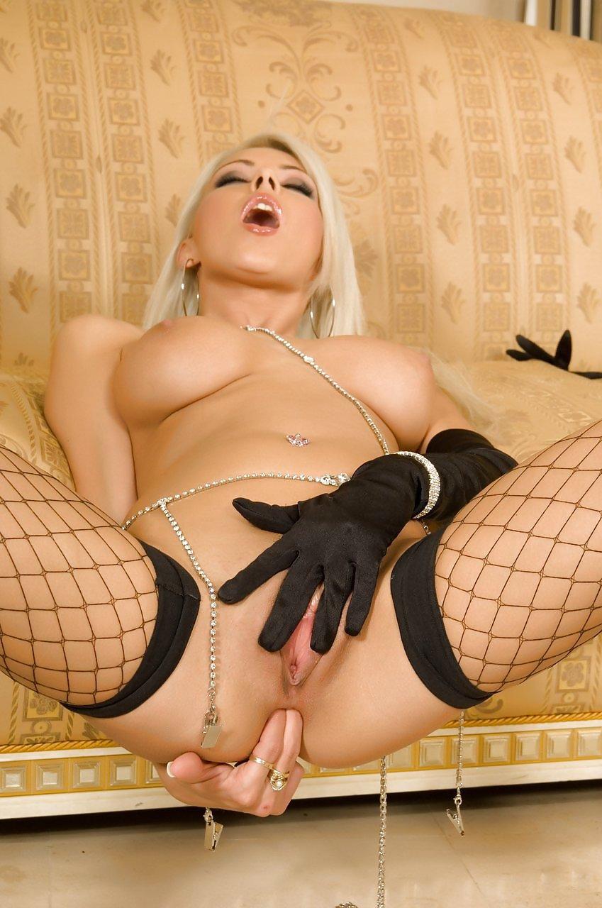 Порно блондинки в чулках в сетку