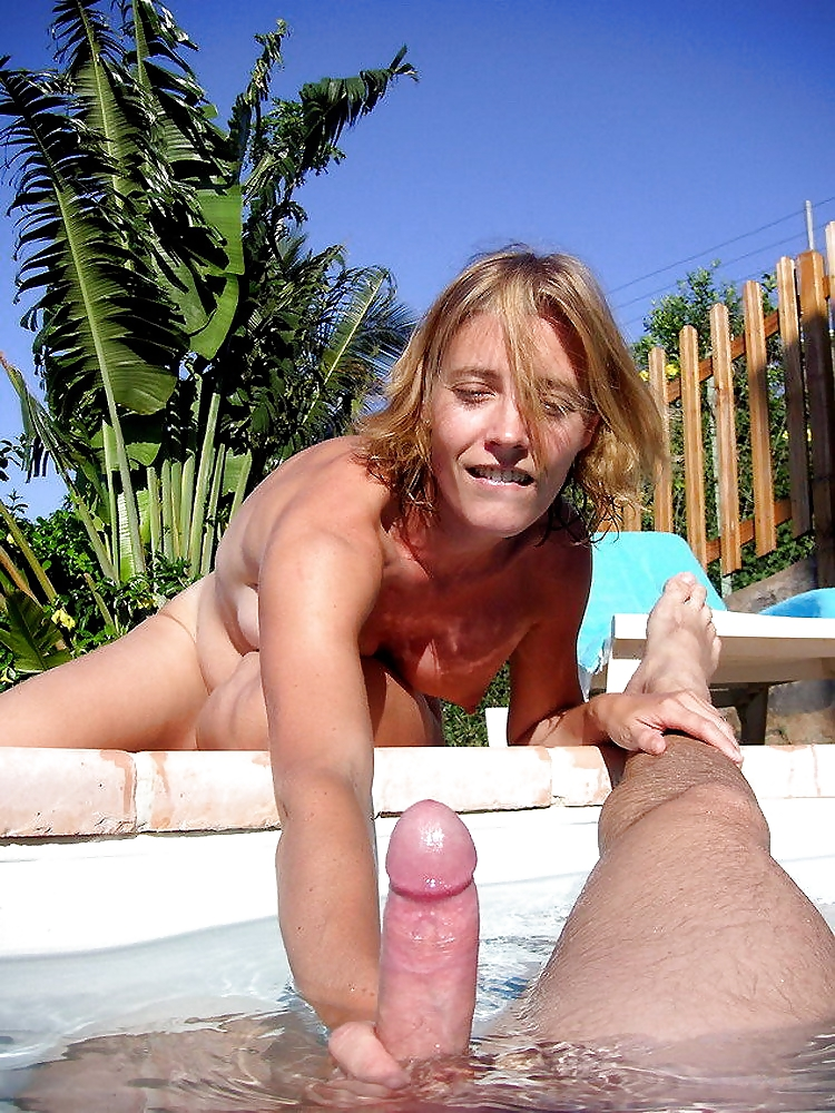 Gay Speedo Pool Voyeur Girls Handjob