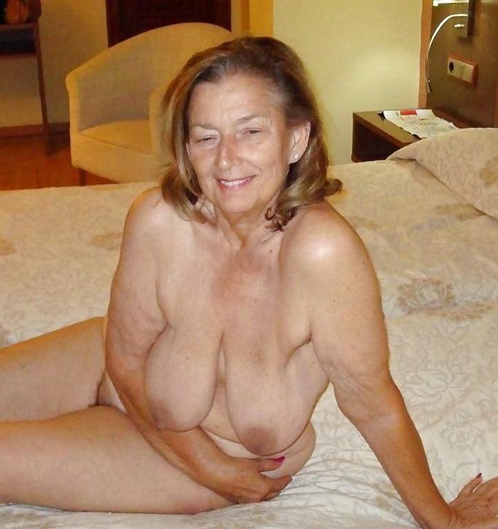 saggy-tits-granny-pics-pics
