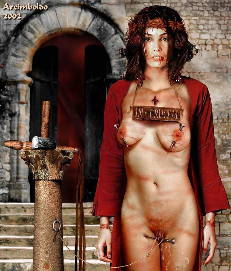 смотреть голые девушки на казнях - 7
