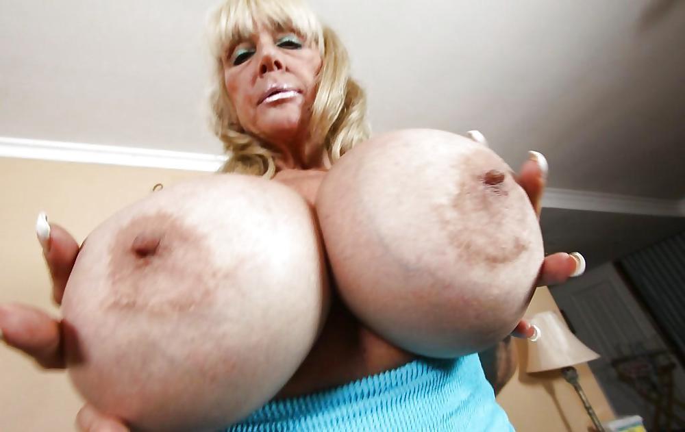 Порно очень старая с силиконом, домашние фото деревенских голых девок
