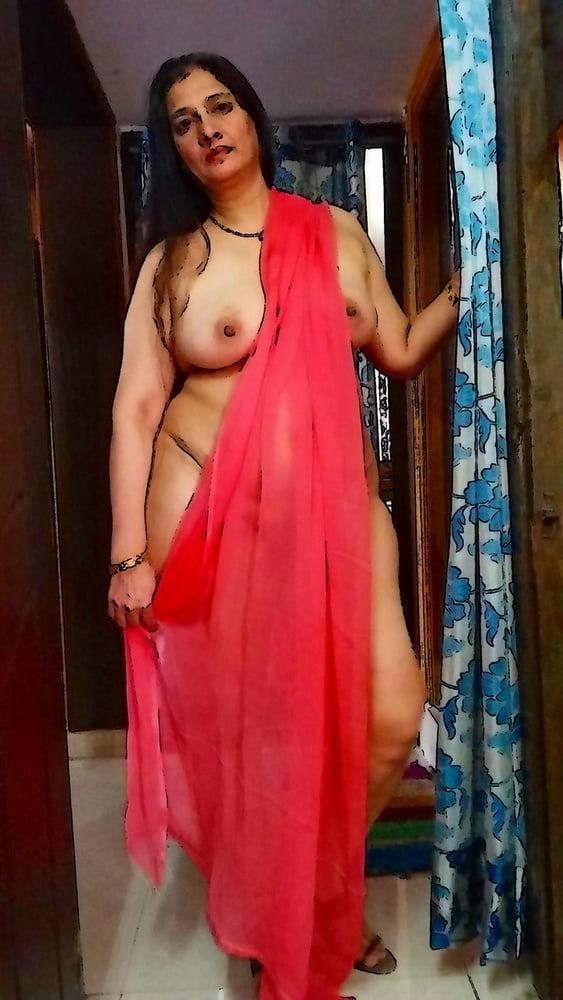 Desi maal saree uttar kar nude photos bf ke liye