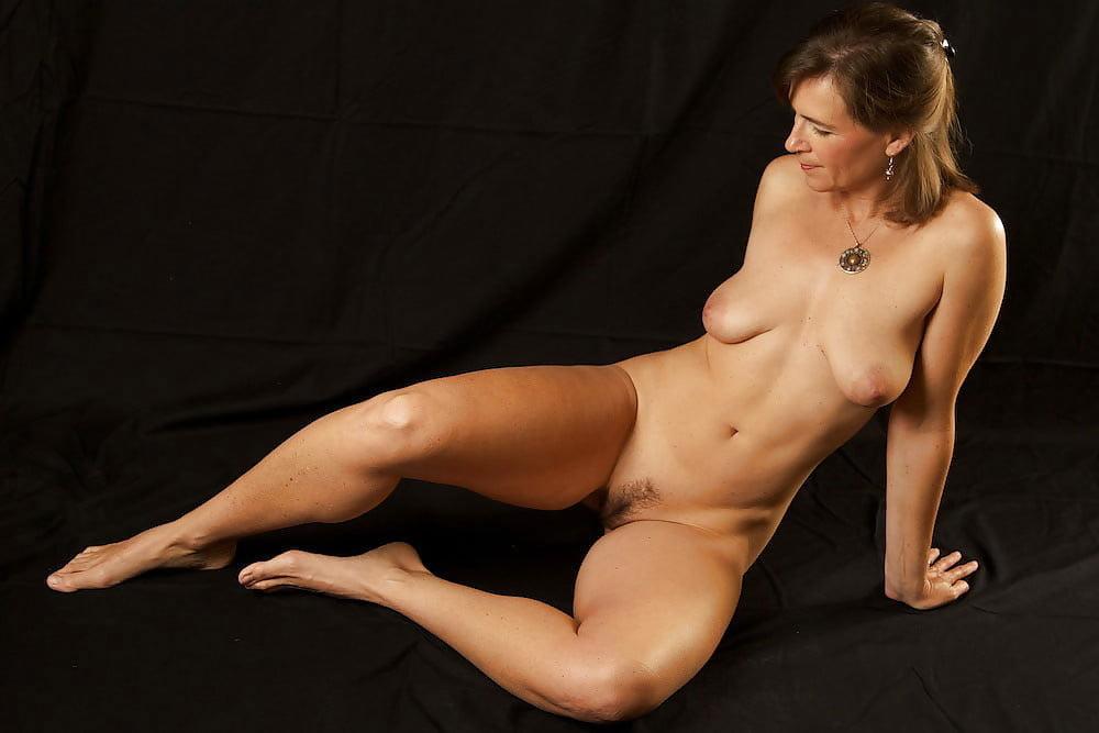 Hot Naked Brunette Girl Free Japanese