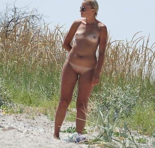 Naked shaved vagina