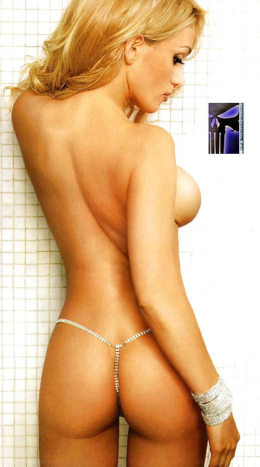 Maria eugenia rito naked in the tub