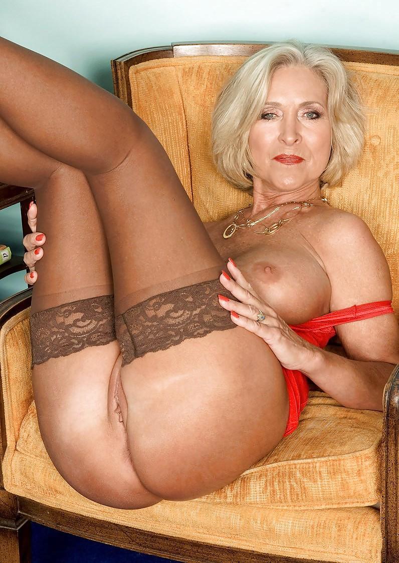 фото юлии порно фото красивых блондинок в возрасте вдруг понял, что