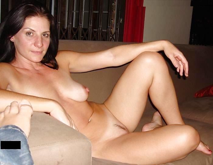 Milf skinny lesbian