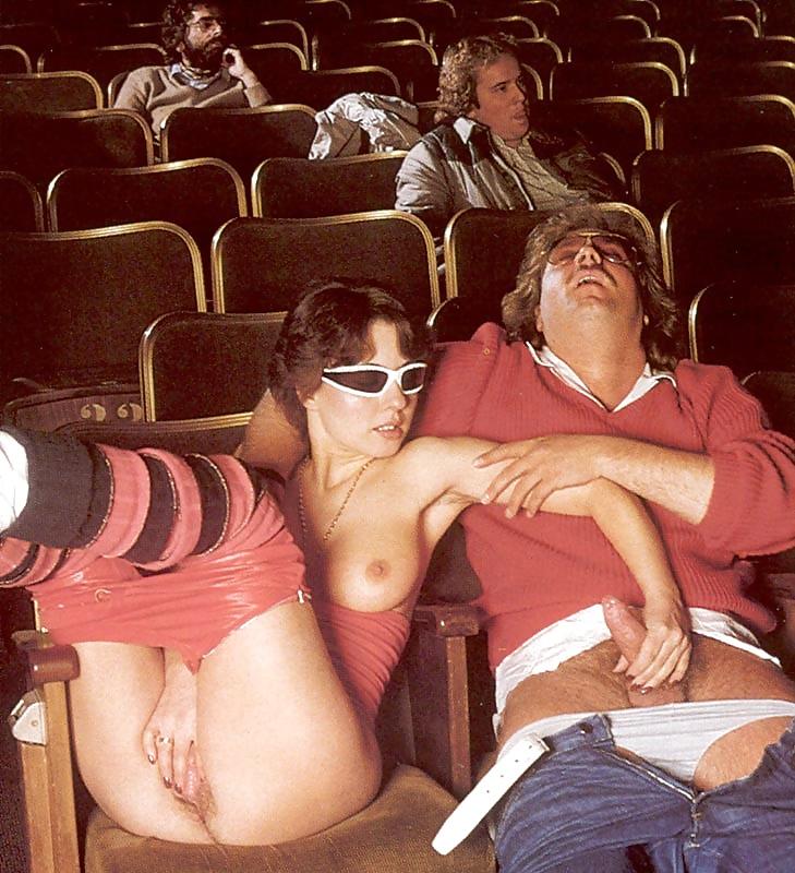 Секс во время сеанса в кино — pic 1