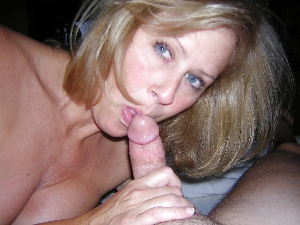 Mom blowjob free porn photo