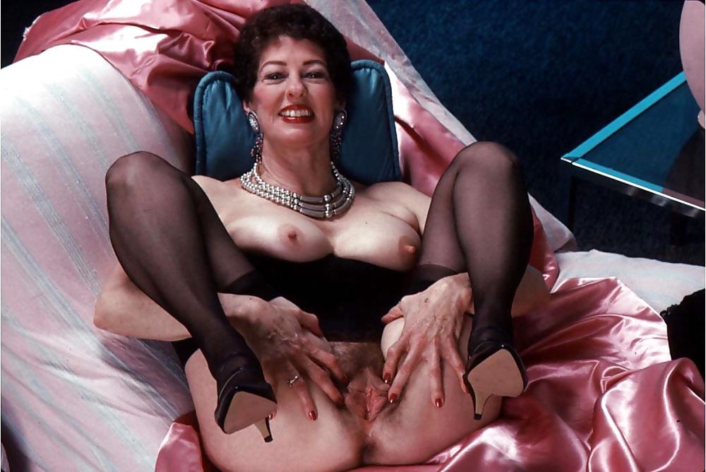 Dressing vintage granny porn pictures