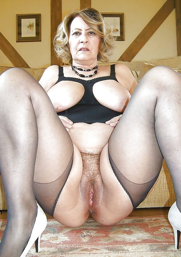 Free pictures of older mature women-6175