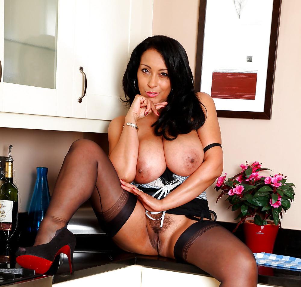 Desi Milf Rahee D Asian Porn Pics And Nude Photos