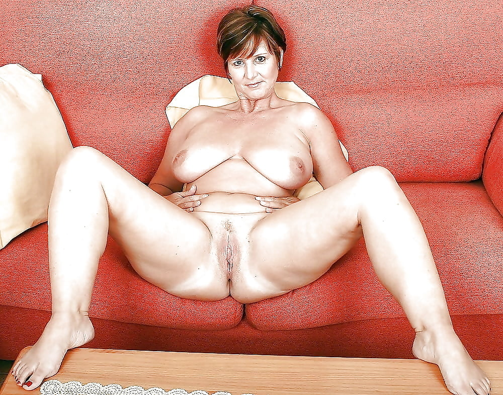 Mature nude women pictures — photo 2