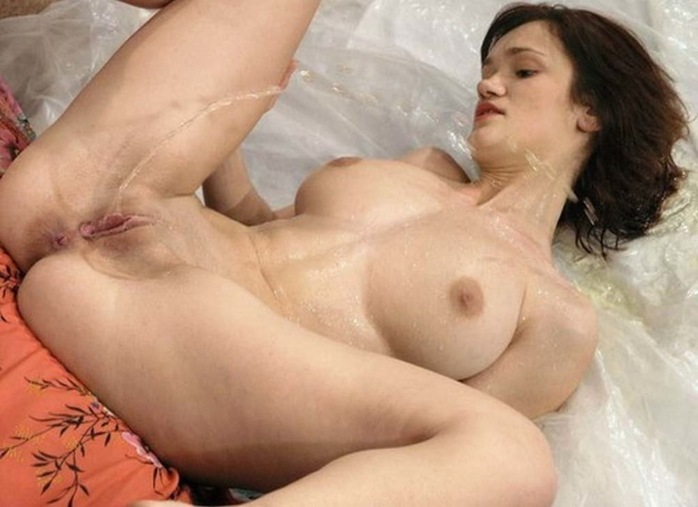 Naked - 50 Pics