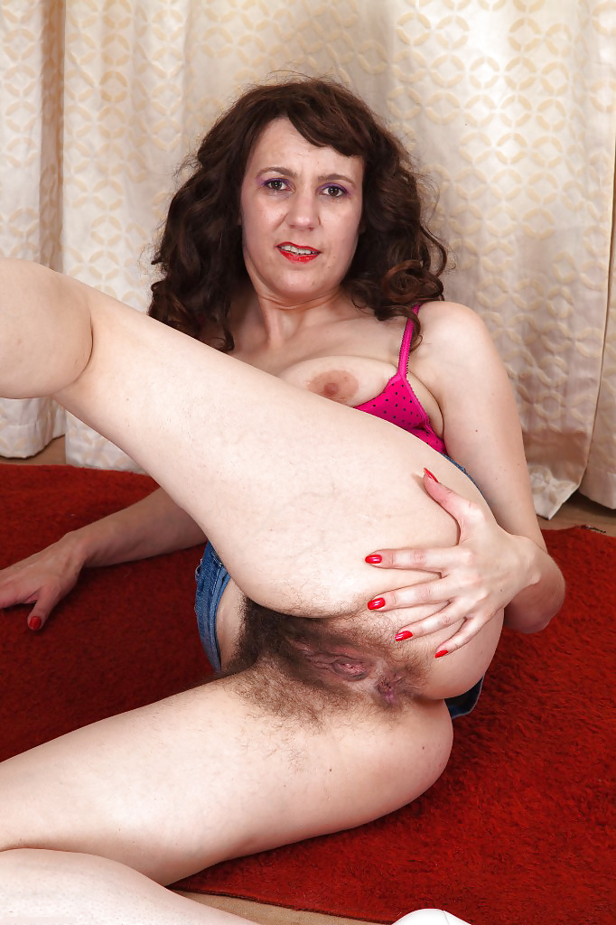 Very hairy mature video-9526