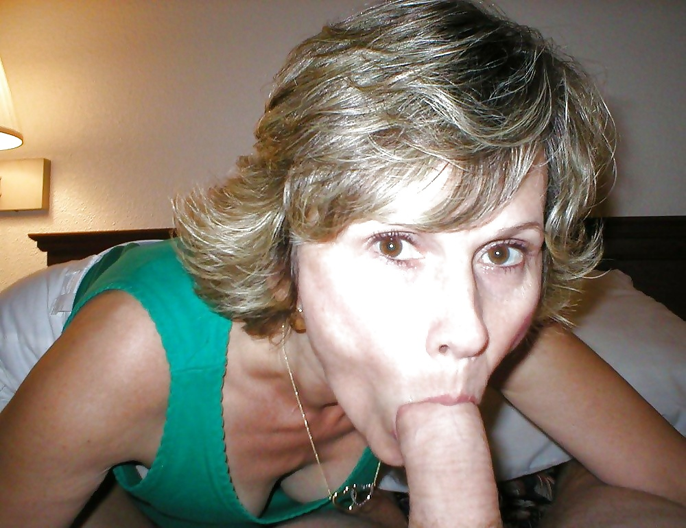 pictures-of-amateur-moms-giving-blowjobs