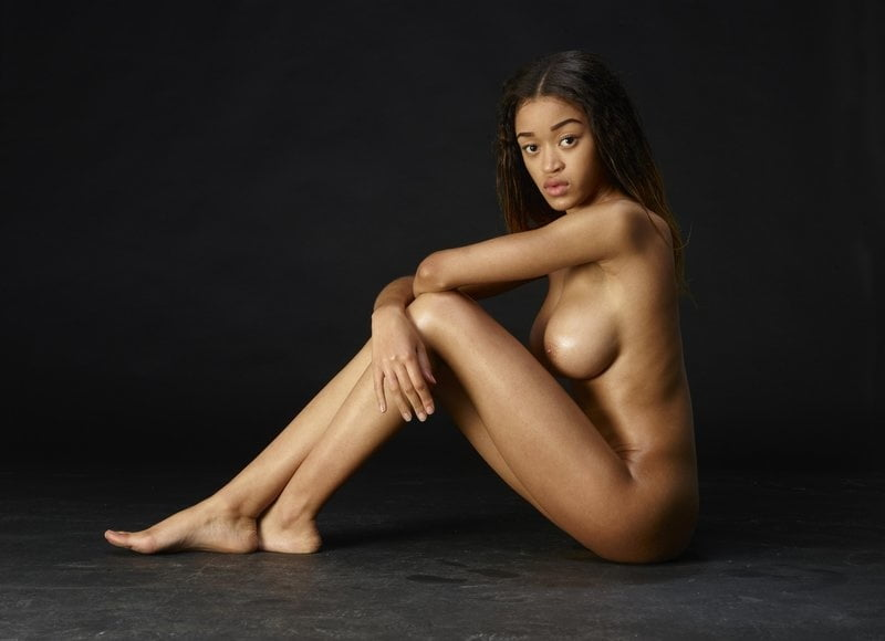 Tyra banks nude pussy spread