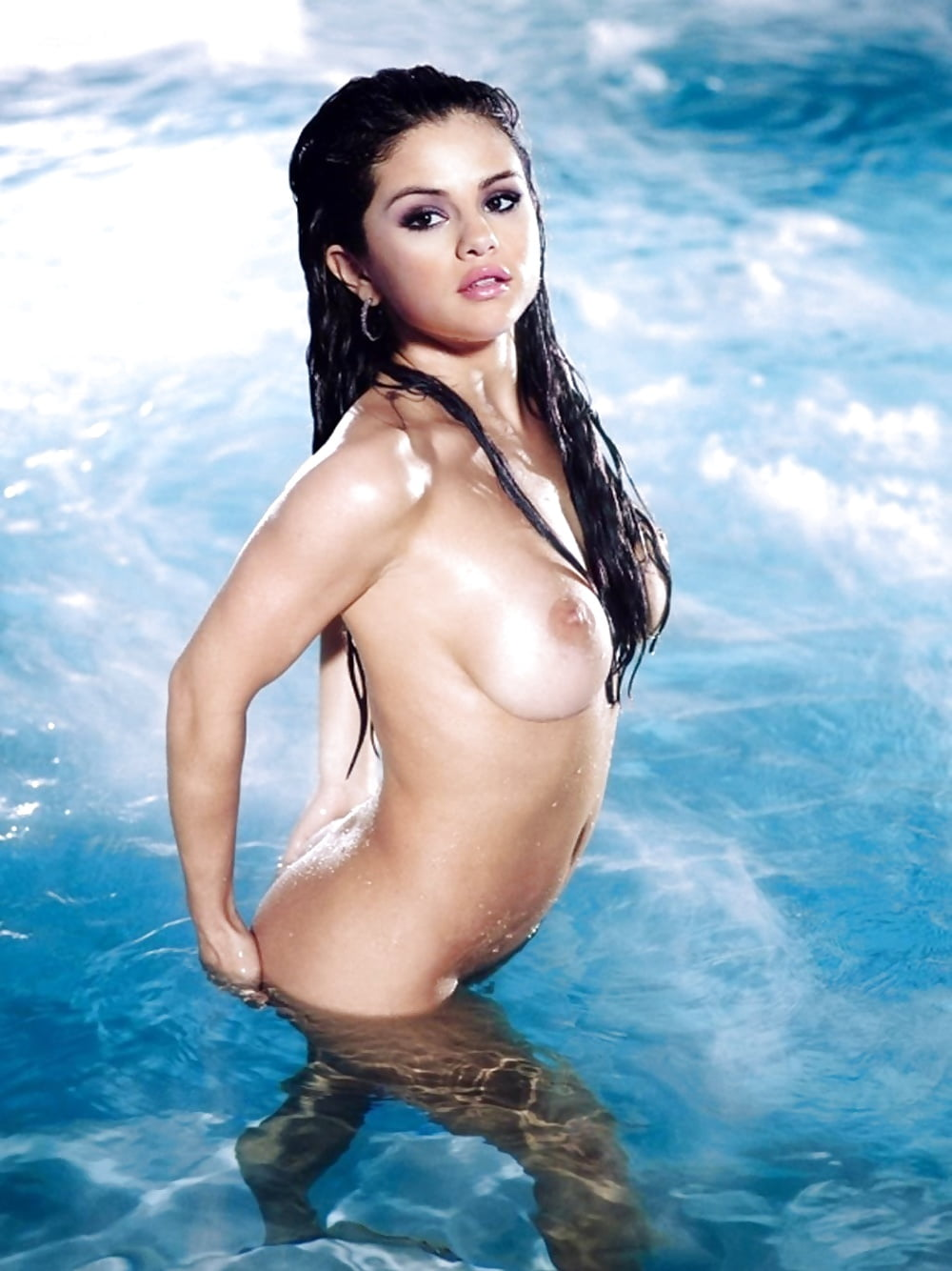 xxx-selena-gomez-shower-nake-breast-girl