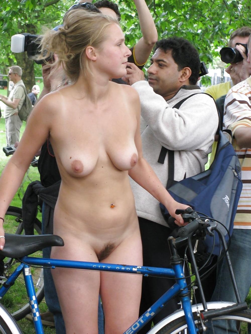 Cunniligus nude girls rallies brunette bombshell can