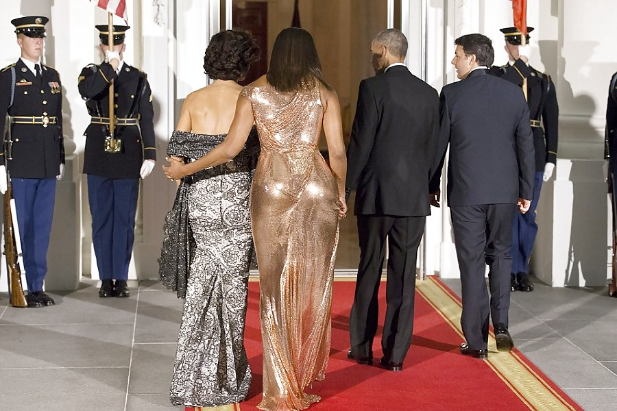 Michelle obama butt naked in white house