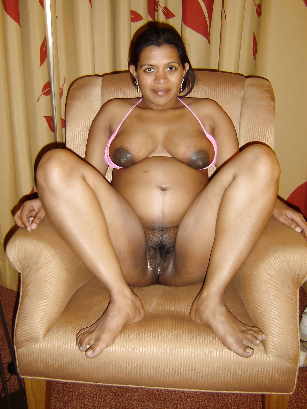 Assamese mom hot pussy