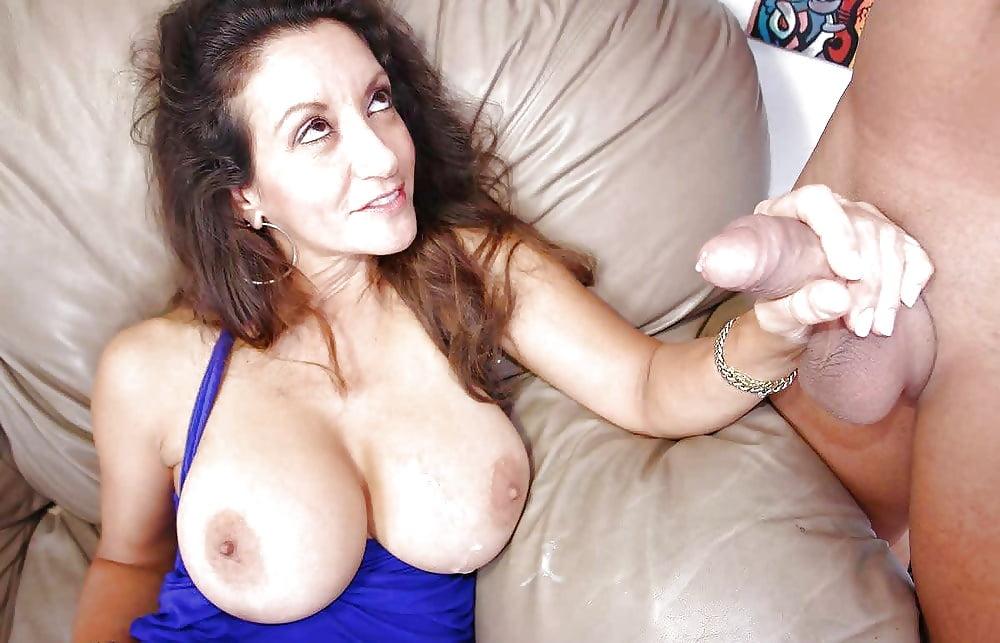 фото у зрелой тетки большие сиськи в сперме фото несколько раз