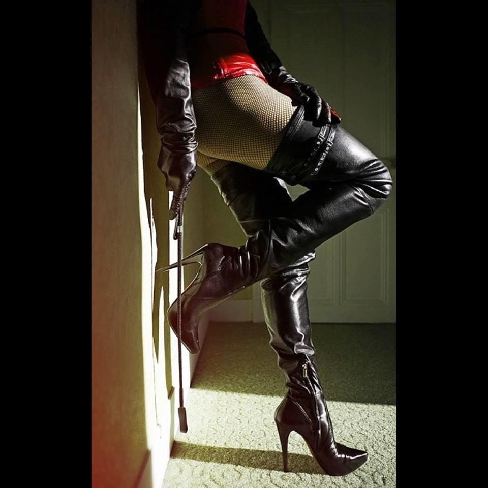 сиськастая садо мазо госпожа в гневе на раба - 9