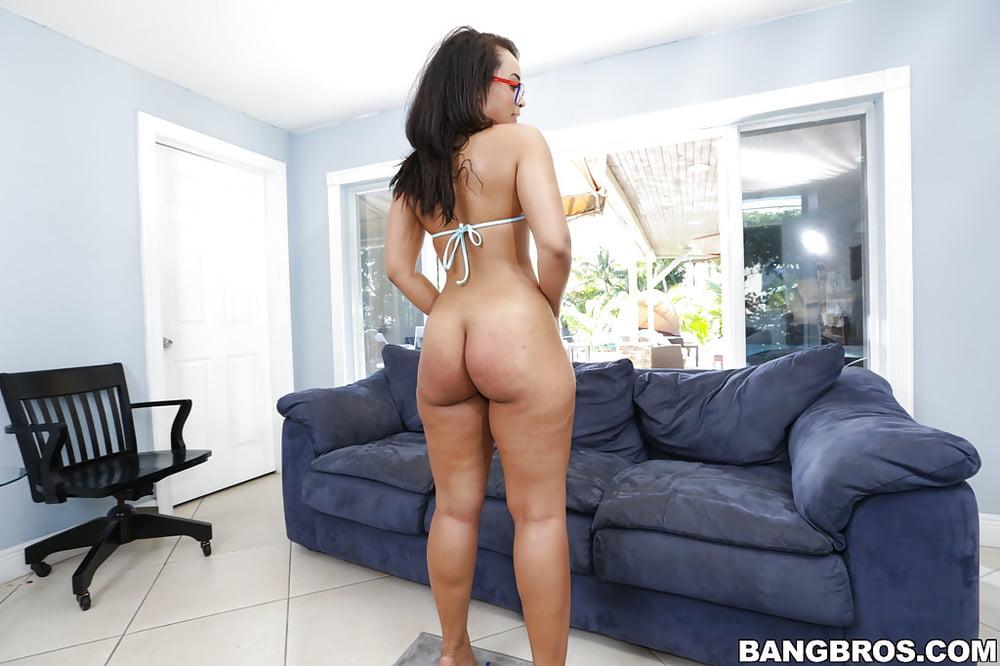 Batilar    reccomend amateur couple first time swinging