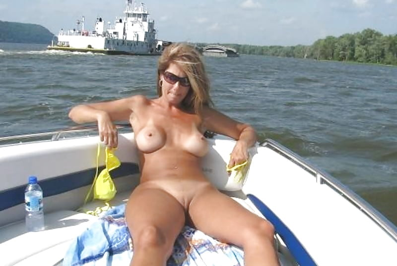 Mature Nude Boating - 139 Pics - Xhamstercom-4190