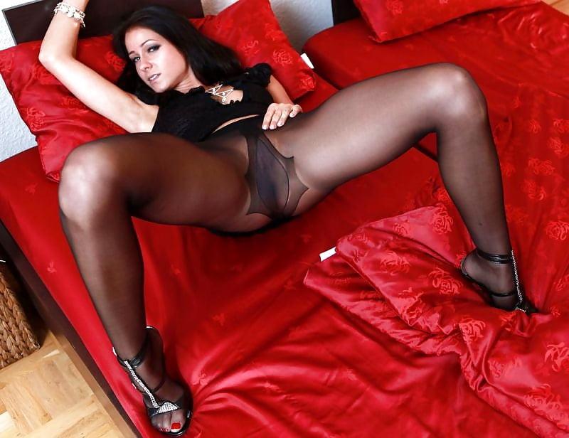 pantyhose-free-picture-archive-finola-hughes-nude