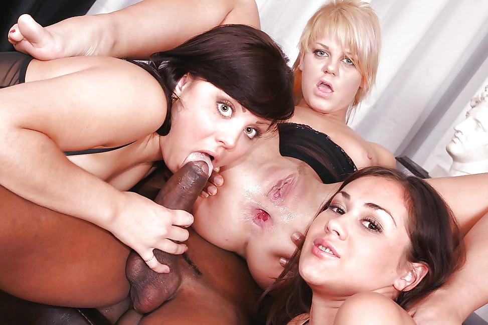 видео групповуха в анус порно