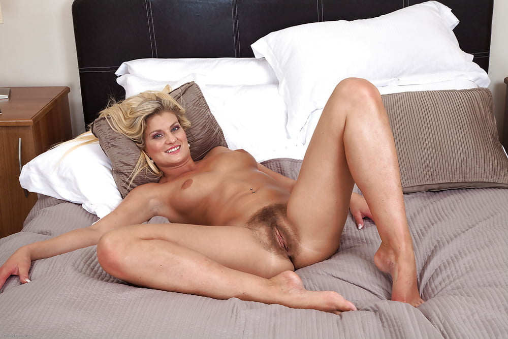 Sexy beautiful mature women sex for