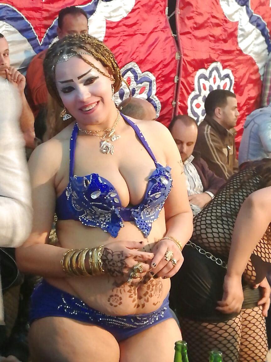 Curvy wife guy, robbie tripp, releases music photo chubby sexy