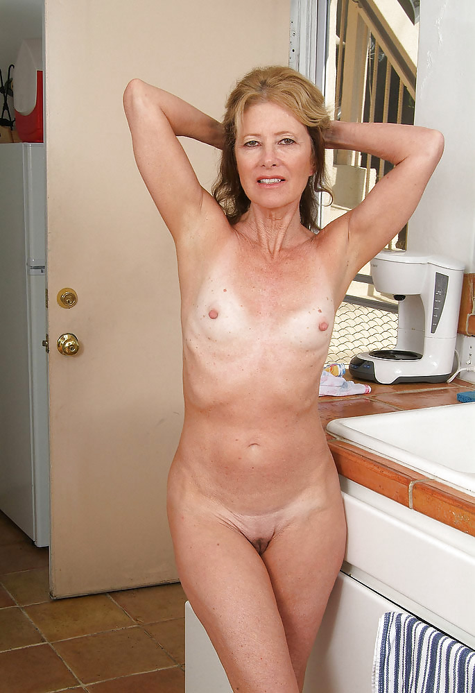 Milf with small tits pics