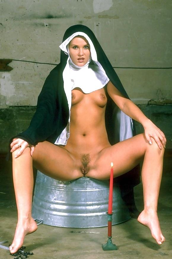 гермафродиты монашки порно