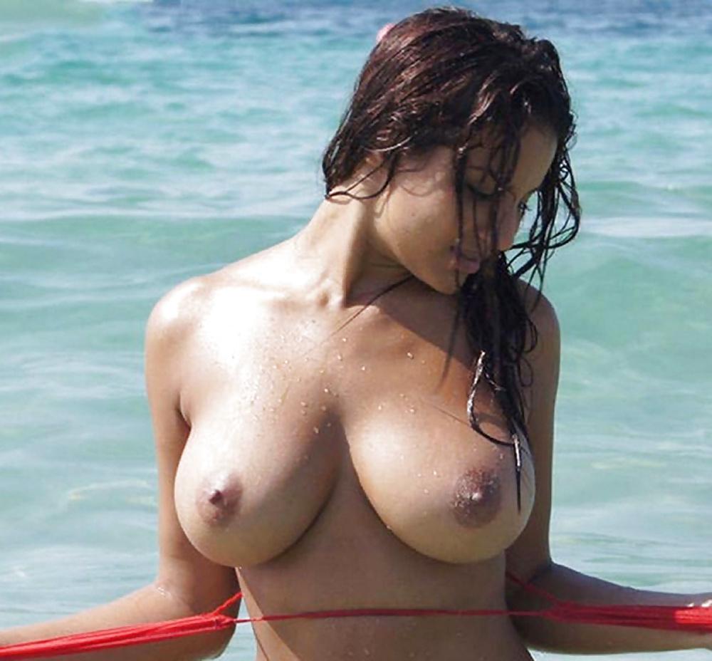 Hailey Leigh Naked No Tattoos