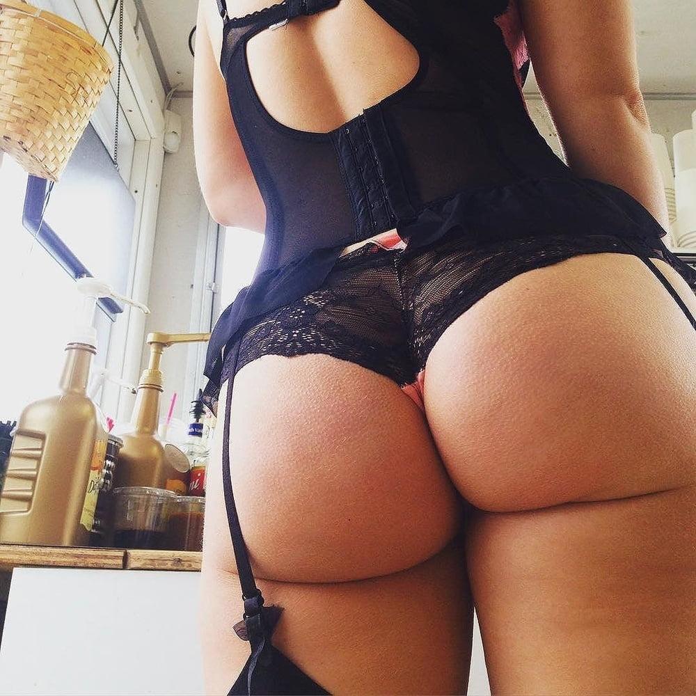 Подружки шикарная пухлая попка фото красивые женщины порно
