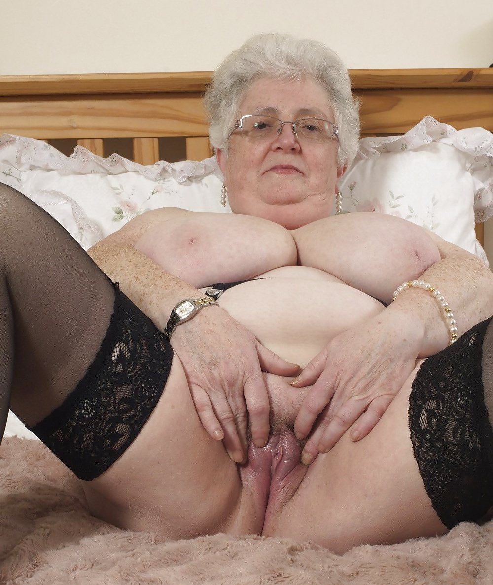 Granny pussy moving pic — pic 8