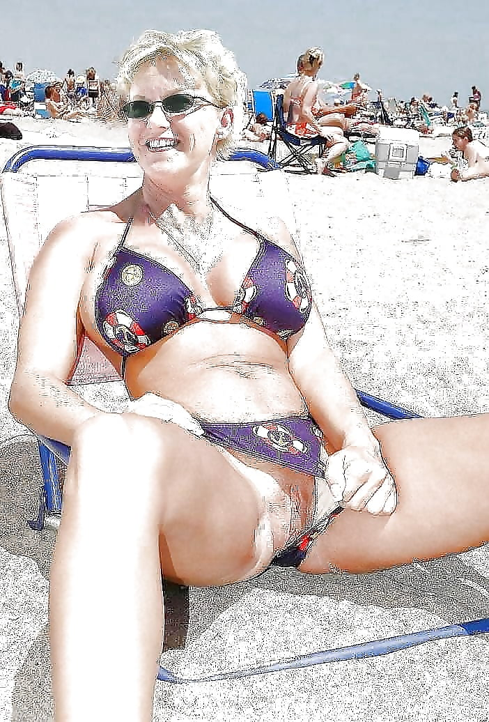 Porn on public beach-2317