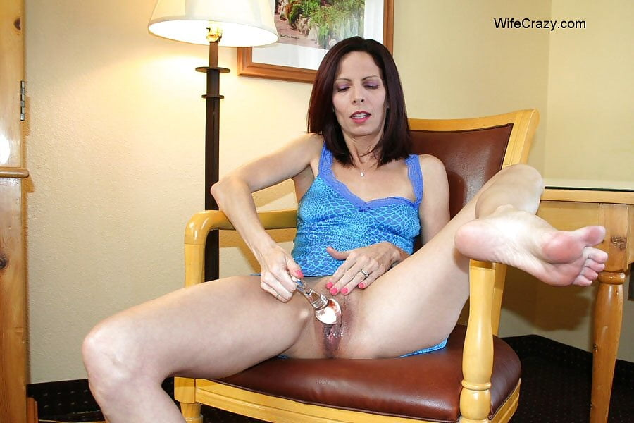 Neshelle crazy wife hands pics porno bridget