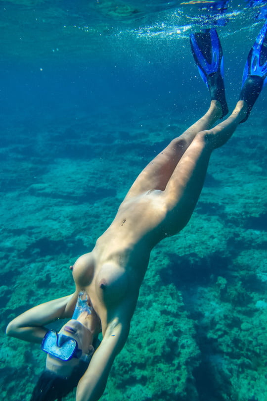 Naked Scuba Divers Take The Plunge In Edmonton