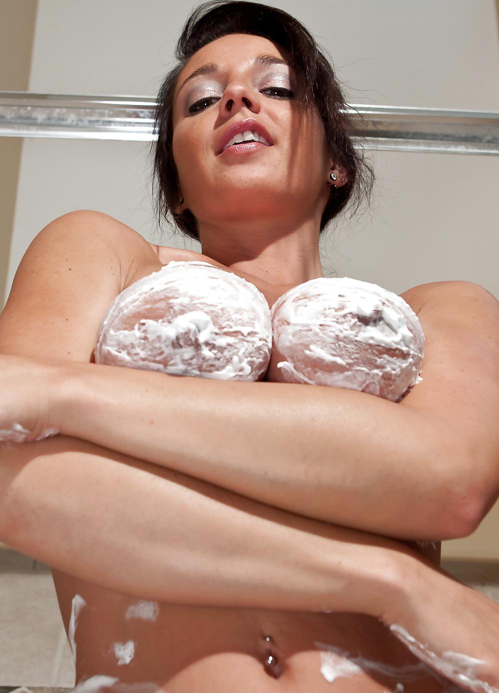 bigger-boob-cream-beautiful-tits-free
