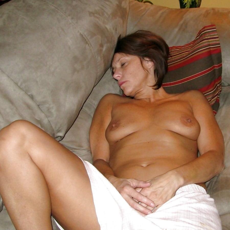 Busty milf orgasm-8125